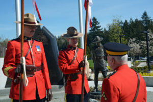 2016-03-31 Briefing the RCMP sentries before the new mace ceremony, Surrey BC (29)