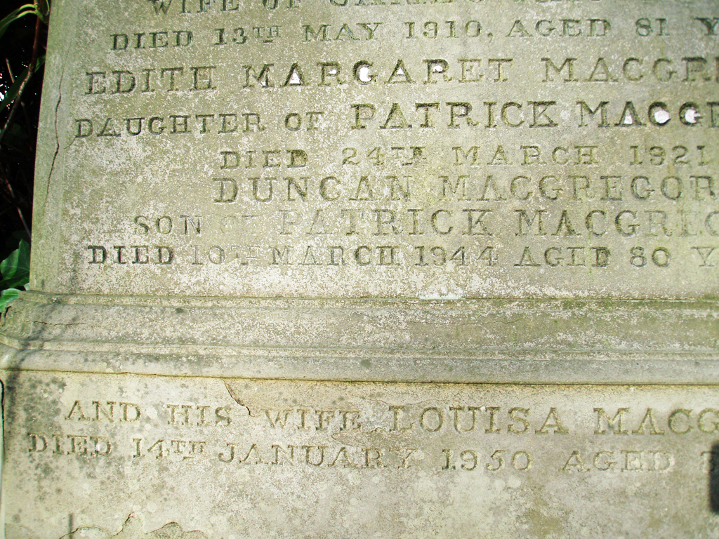Duncan MacGregor grave bottom