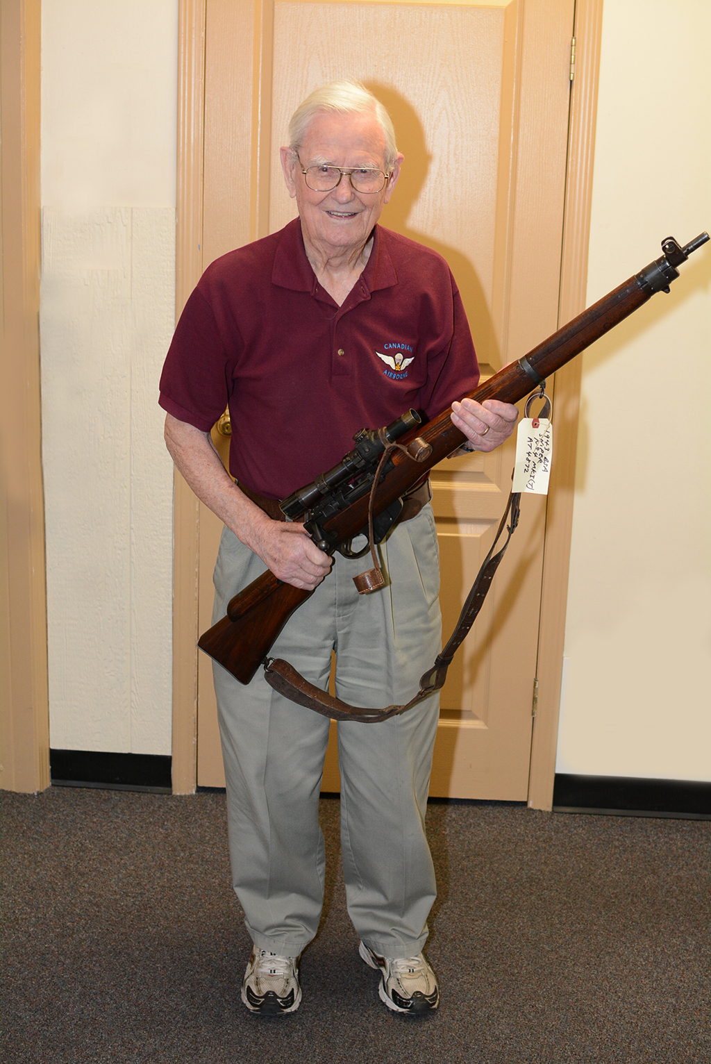 Peter Braidwood CCoy1CPB 2015-05-06 w 1943 sniper rifle