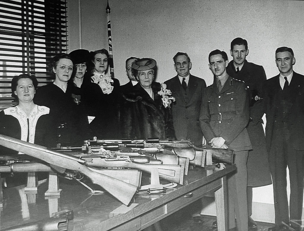 SAL Long Branch Princess Alice and display firearms