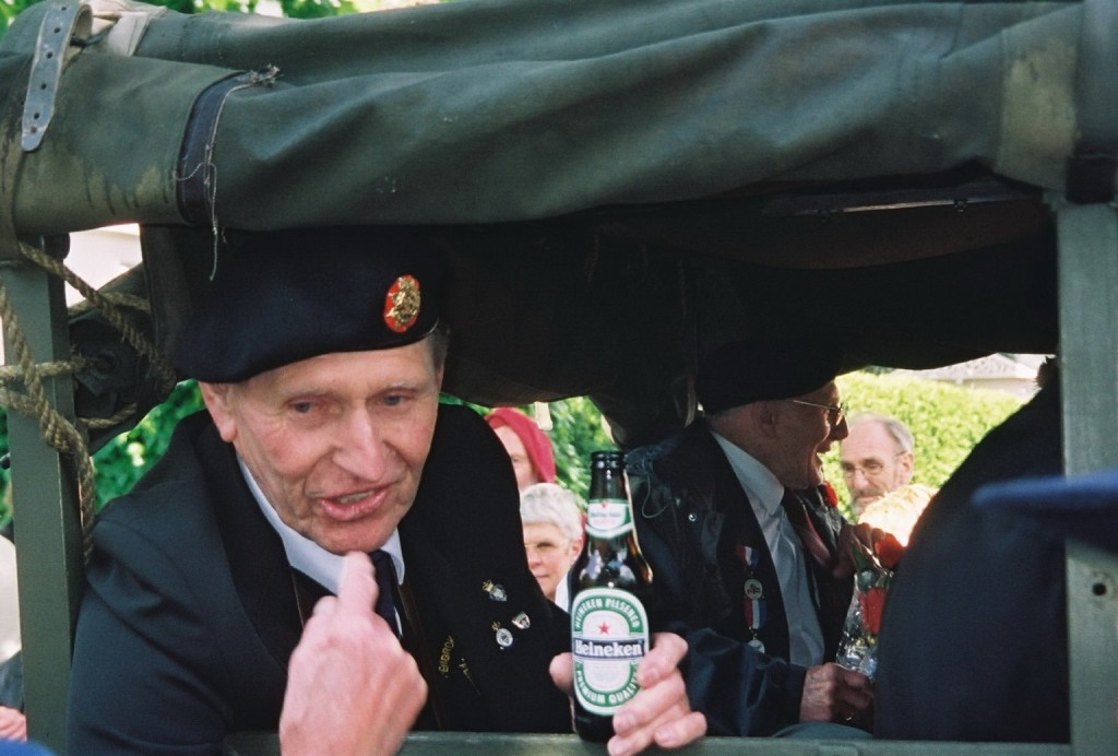 Apeldoorn Veteran with bottle of Dutch beer - 2005