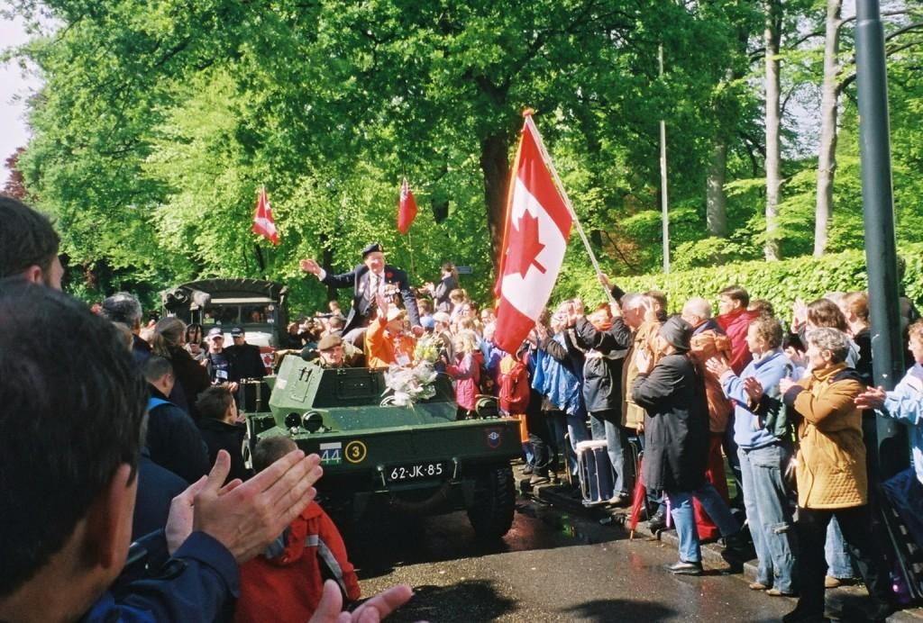 Apeldoorn crowd 8- 2005