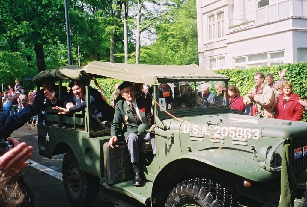 Apeldoorn veterans in a Dodge- 2005