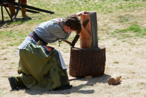Fort Nisqually Brigade Days 2016 AUG (99) - Splitting shakes during the race.