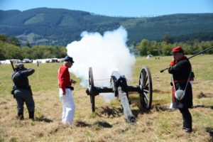 # 686 Confederate cannon fires upon the Union Camp in between battles. Snoqualmie, WA, USA 2016 AUG.