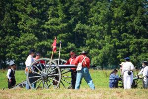 # 803 - Union cannon reloading.