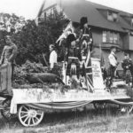 The stuffed cougar on recruiting float for parade circa 1917