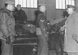 Royal Canadian Dragoon Frerret crews at Valcartier, talking with Chief of the General Staff, Lieutenant General Walsh before deploying to Cyprus in 1964. (CAJ Vol XVIII No1 1964-p6)