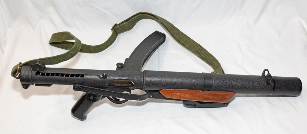 Sterling SMG L34A1 MK 5 silenced - right side, butt folded