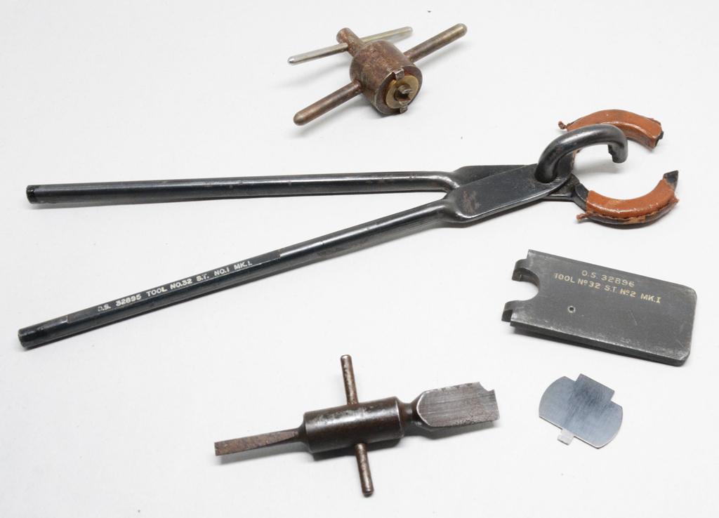 No 32 scope adjustment tools - Colin Stevens
