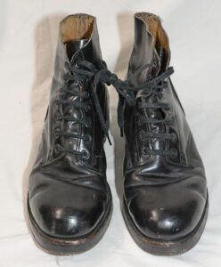 Boots thick sole and metal Blakeys