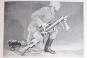 MG 08-15 original manual 1931 - preparing to move forward
